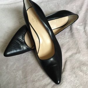 Cole Haan black pumps 9.5 Italy pointed toe